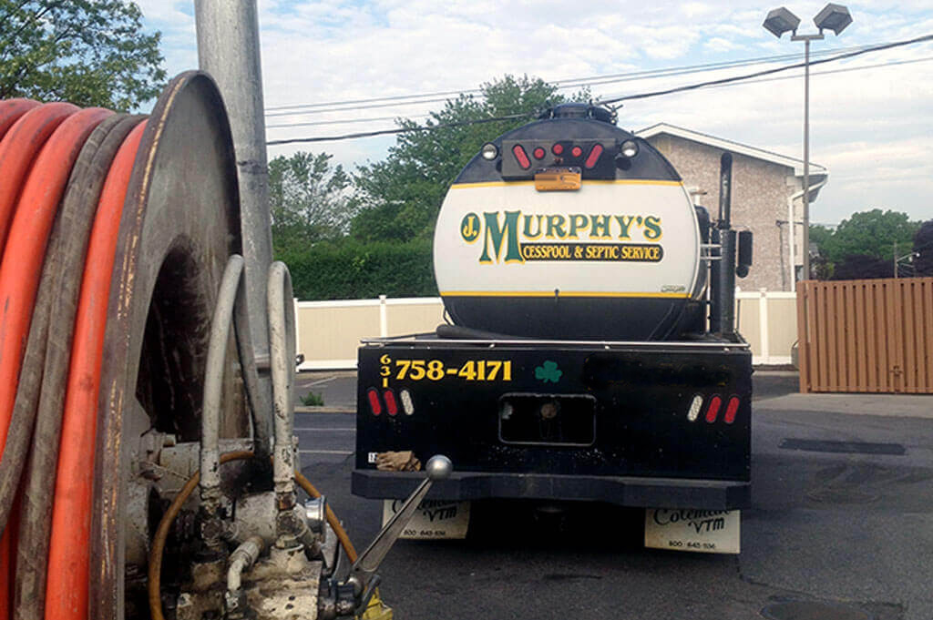 Vactor Truck photo | Murphy's Cesspool & Septic Service | Cesspool Pumping Service | Suffolk County, Long Island, NY |  Phone: 631.758.4171 or 631.476.5484 Fax: 631.569.724.2299 | Email: Service@NYSeptic.com